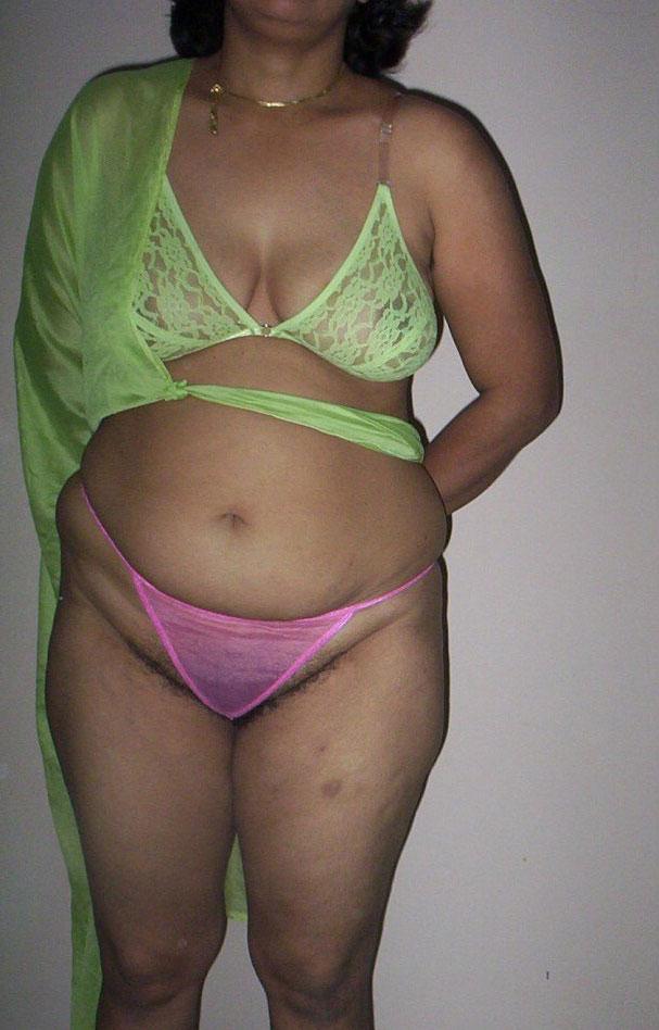 image Desi bangalore horny aunty