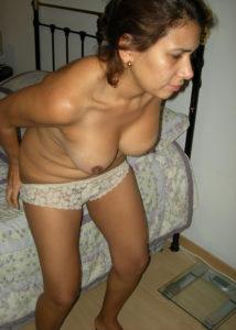 sexy desi babe nude tits