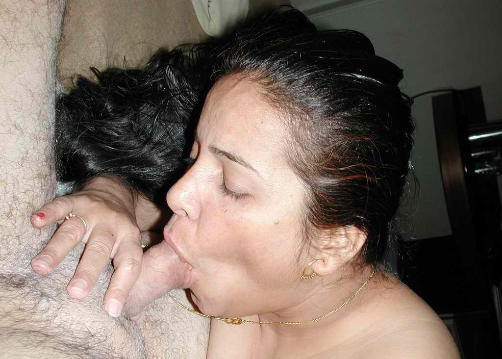 Sorry, that Sexy indian girls giving blowjob more modest