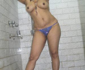 sexy nude boobs babe