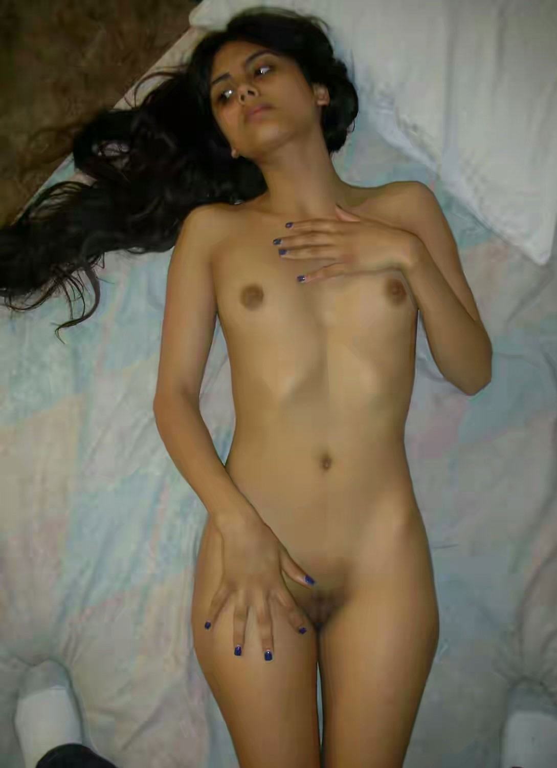 Slim Full Nude Desi Teen