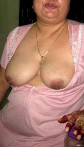 busty nude desi hottie