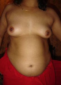 chubby nude boobs babe