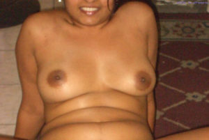 curvy babe nude boobs
