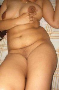 curvy full nude babe