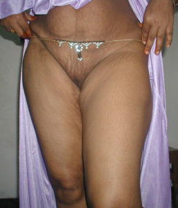 curvy hottie nude pussy