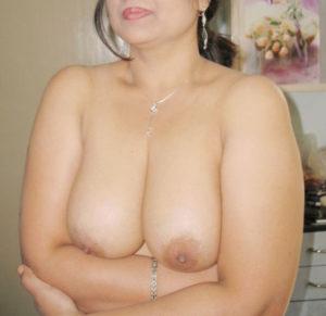 freaky desi babe nude boobs