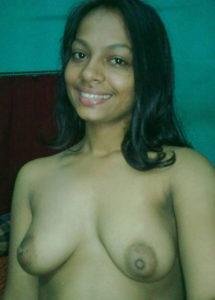 gorgeous desi babe nude