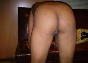 horny babe nude ass
