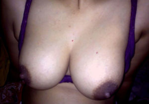 huge tits nude babe
