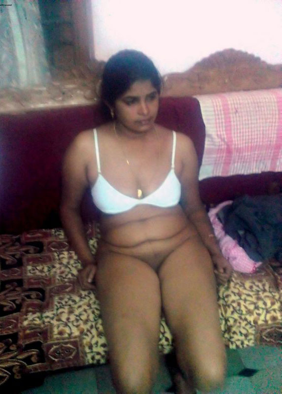 Beautiful Desi Indian Ladies Revealing Bedroom Pics-9031
