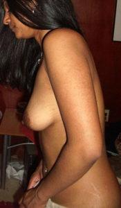 perky boobs desi hottie