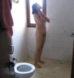 petite babe full nude