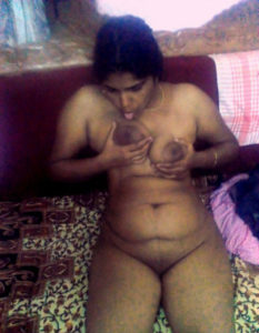 pretty desi babe full nude
