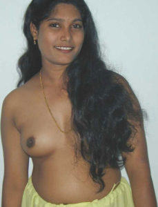 pretty indian hottie nude boobs