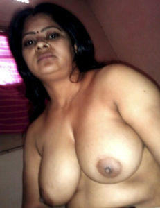 pretty nude boobs desi babe