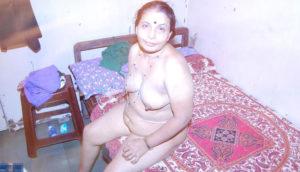 sexy nude tits hottie