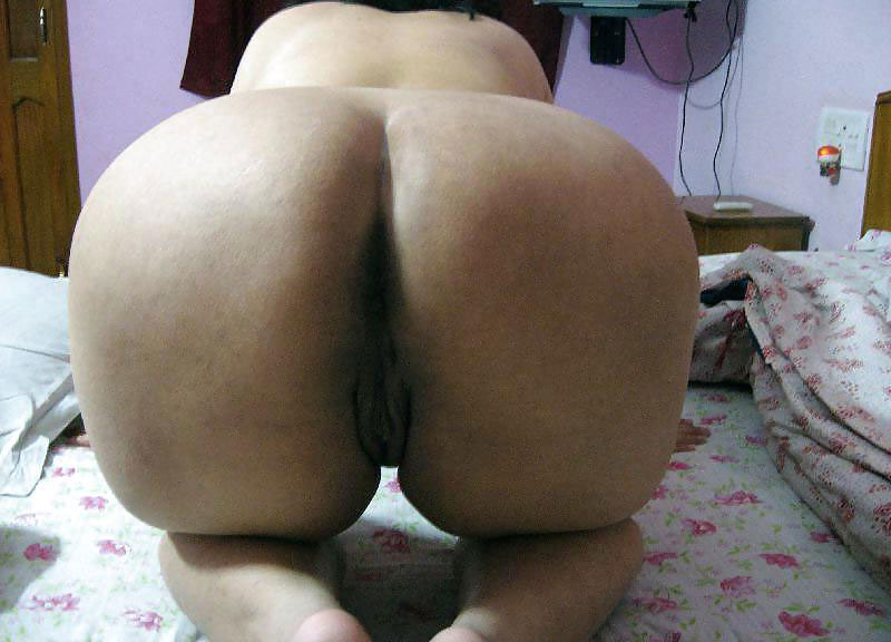 fat ass Aunty