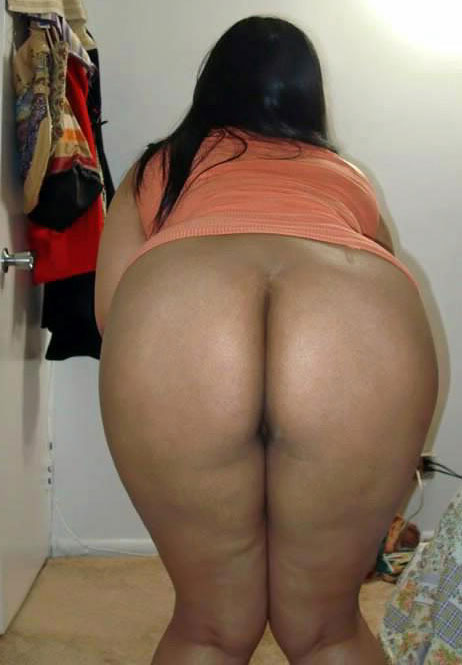 Big booty indian aunty