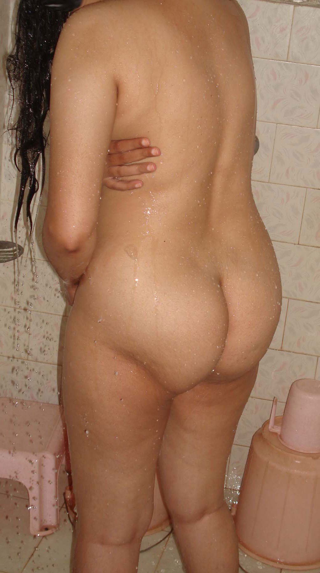 indian bhabhi bathing