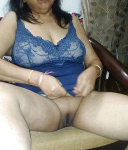 horny pussy hot bhabhi pic
