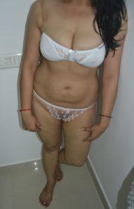 hot bhabi bikini pic