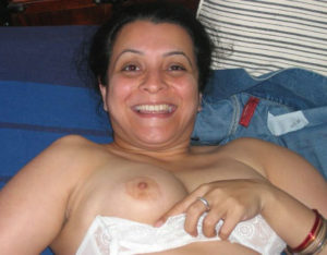 indian bhabhi white boobs
