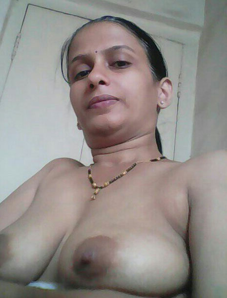nudist Indian aunty