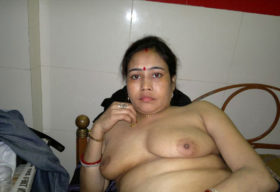 aunty big milky titts indian
