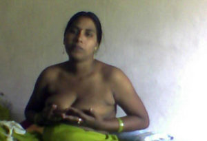 aunty titts naked pic
