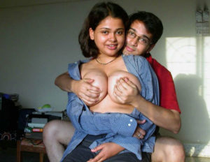 bhabhi boob press hot pic