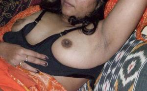bhabhi boobs pic horny