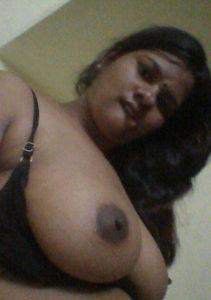 bhabhi hot boobs xx