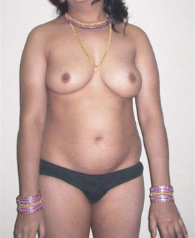 bhabhi naked boob horny