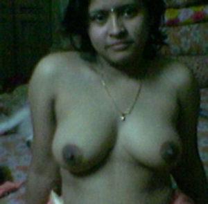 bhabhi sexy pose nude