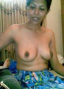 hot desi aunties nude tits