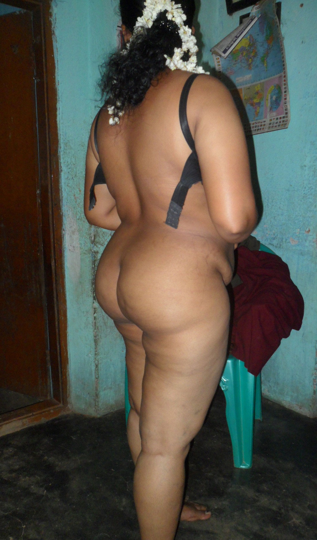 naked black fat butt