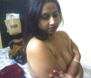 desi aunty naked boobs