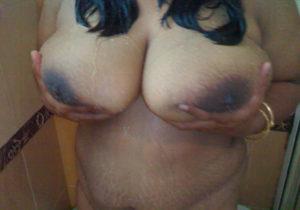 desi bhabhi hot boobs photo