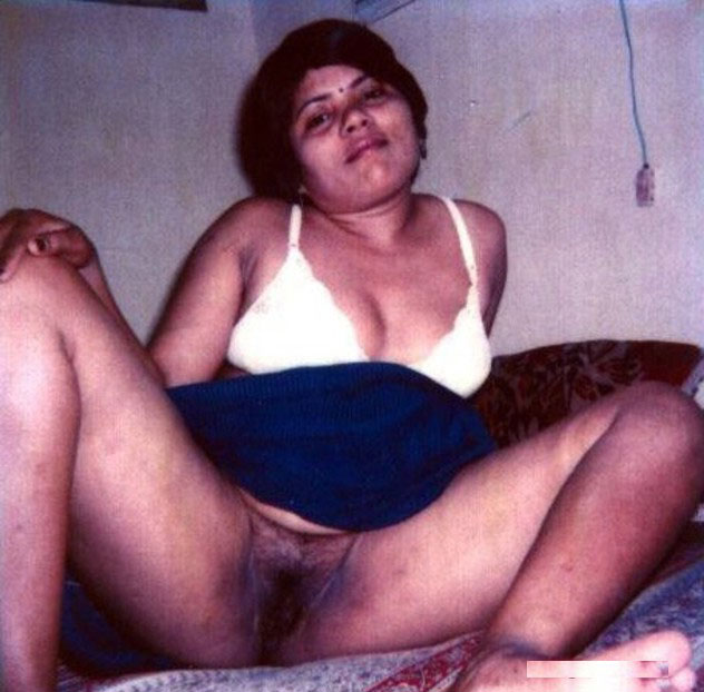 bhabhi naked photo Desi