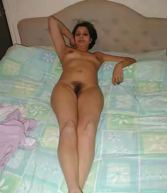 Horny hairy milf with her dildo bvr 3