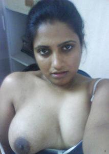 horny bhabhi desi boobs