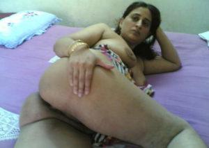 horny bhabhi nude ass xx