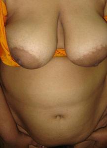 hot milf bhabhi boobs show