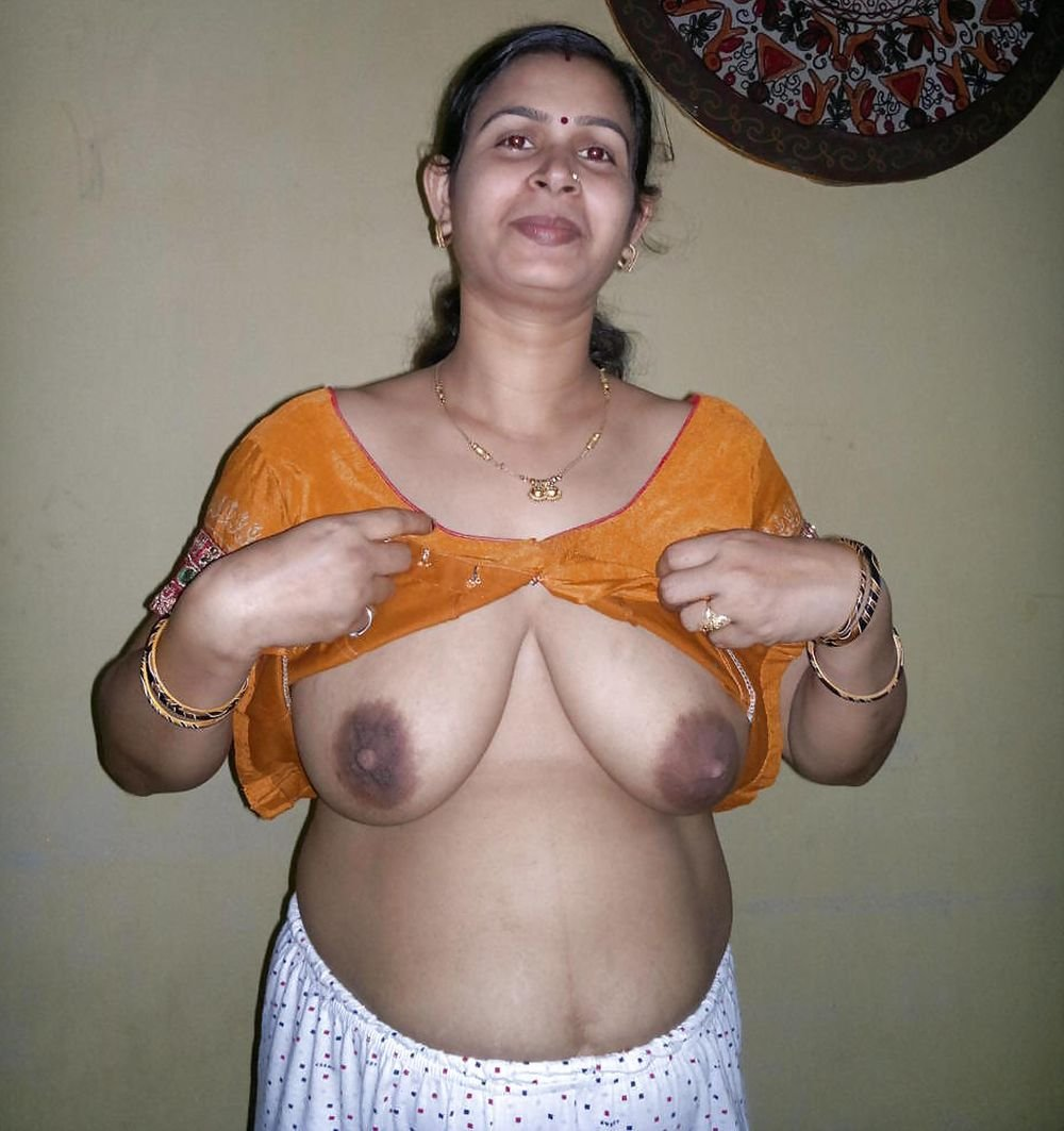 indian mallu desi aunty hot  XVIDEOSCOM