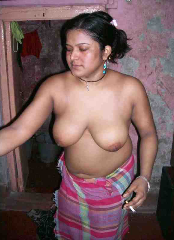indian aunty nude boobs