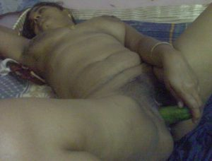 indian aunty play alone