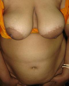 indian bhabhi boobs milky