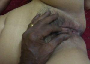 men touching bhabhi pussy