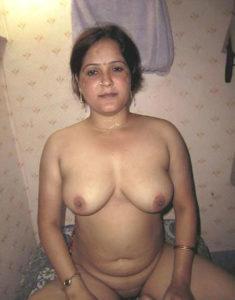 milf aunty hot nipples